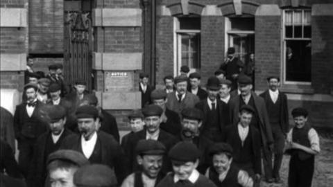 Workforce of Brush Electric Co. Falcon Works, Loughborough (1900)
