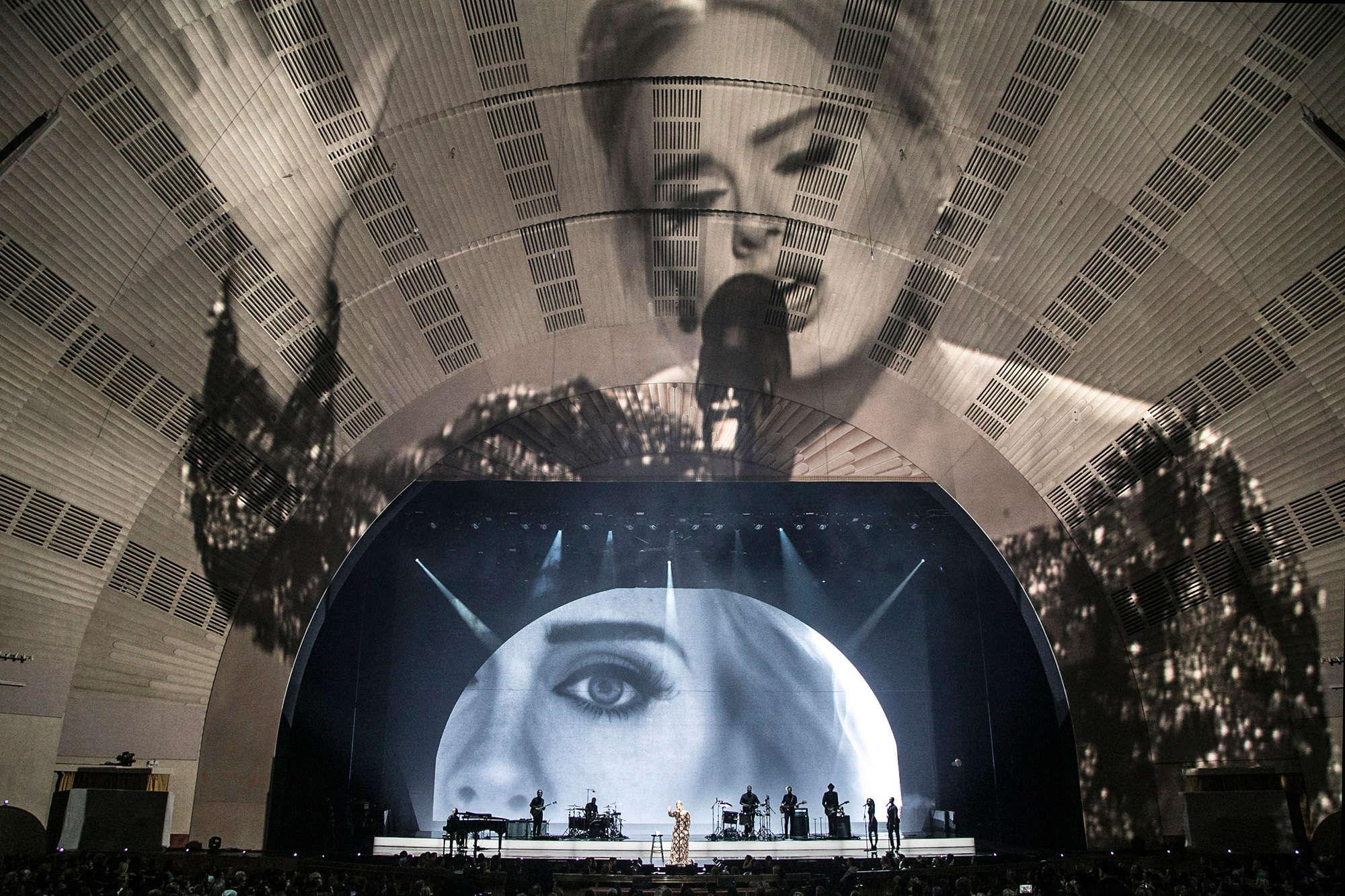Es Devlin set at Adele concert - Adele screened on backdrop